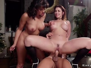 Super-fucking-hot duo in threeway intercourse with his step housewife