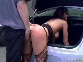 The Whore In The Lot With Veronica Avluv