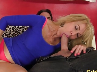 Jaw-dropping platinum-blonde grannie Erica Lauren stretches Her gams for a XXL rod