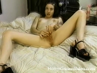 Lil' pulverizes Herself prompt And Deep With A fake penis - lil' pulverizes