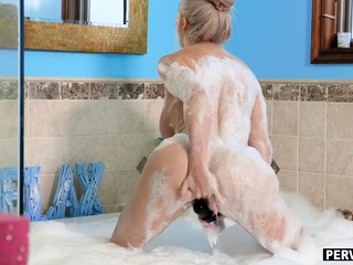Caught my curvy stepmom in a bubblebath and she did not mind