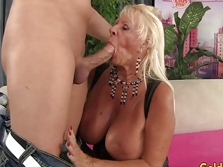 Buxom granny Mandi McGraw fellates a prick and Then rails It with zeal