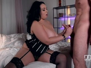 Anastasia Lux In Bbw Babe Likes To Play With Girthy Dick