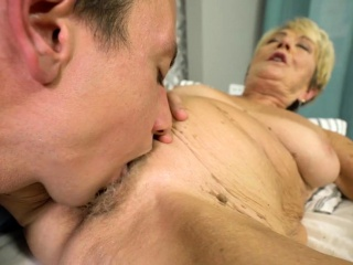 Tongued wrinkly creamed