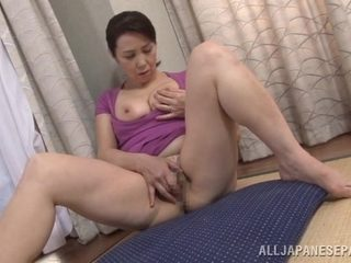 Yuuko Kuremachi naughty Asian mature enjoys masturbation