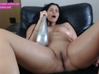 Lush mature romanian cam-slut bursts