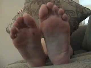 Asian soles scrunching and wriggling