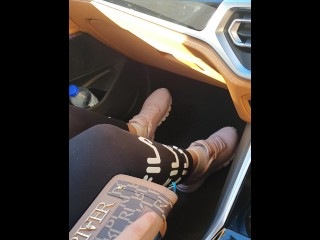Step mom in leggings in New BMW 3 series make step son cum in 20 seconds on her hands
