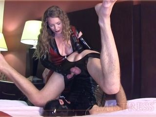 Domme mommy pushes faux-cock Up dudes butt