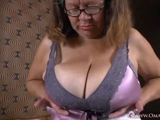 OmaGeiL Collection of Horny Housewife Films and Pics