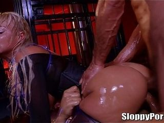 Lubricated cougar London sea gonzo double penetration