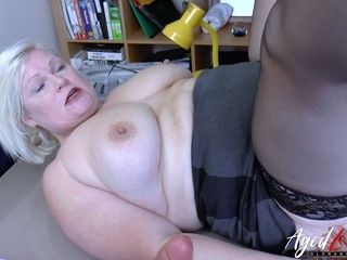 Unexperienced ebony stud gets truly mischievous while gobbling poon of obese hoe