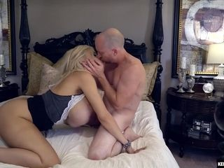 Amber Kelly, Amber Alena And Kelly White - Blondie Bimbo With Huge Hooters Gets Shagged Hard