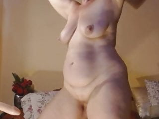 mommy dancing naked
