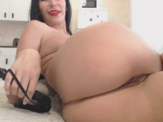 Russian mummy tears up herself in ass-fuck faux-cock and gargles