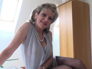Adulterous brit cougar damsel sonia flaunts her monster boobs