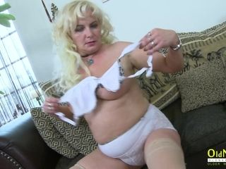 OldNannY Hot Milf pinpointing will not hear of Pussy unconditionally greatly