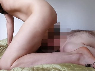 Mature lady gets multiple Orgasms while Facesitting