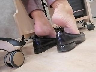 Barbaradream - boots have fun in office.
