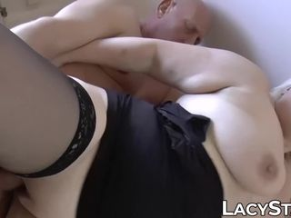 Bootylicious light-haired GILF receives facial cumshot after railing him rock hard