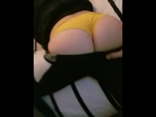Playing with Summer toyes Milf ass before she gets fucked