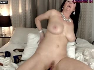 Exciting Housewife luvs To have fun With Her exciting pink hole