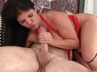 Lengthy Haired Mature tart Carolyn pleasure button Takes a big dinky in gullet and cooch