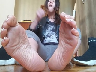 Sweaty stinky socks and soles. JOI.Countdown. Russ. accent - OlgaNovem