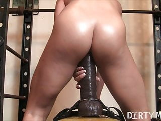 Woman Muscle porno starlet rails a immense fake penis