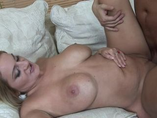 Big Titted Seductive Cougar Knows How To Swallow