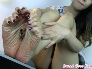 Sugary-sweet Coco soles Jerk Off Instructions