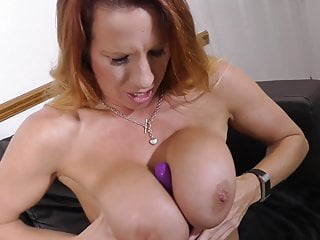 Ultra-kinky first-timer cougar with thirsty vulva