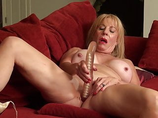 Killer mature mother Rae with outstanding enormous cupcakes