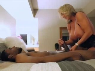 Wifey With ginormous mammories Cheats on hubby