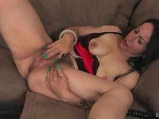 Nina Swiss Has Been After A junior manmeat For fairly Some...