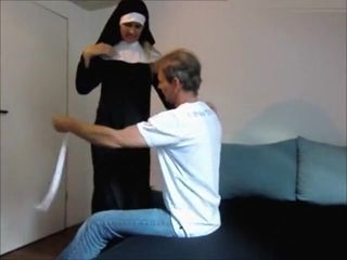 Squirting Nonne