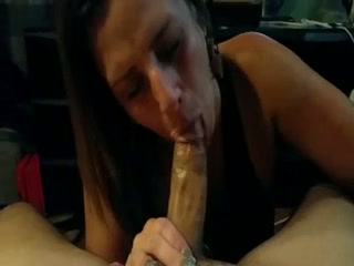 The passion with which this slutty mature woman sucks my dick is great