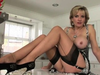Unfaithful brit mature gill ellis showcases her huge na