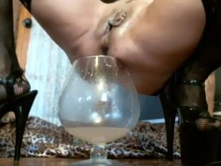Pee and squirting. Much cum in glass