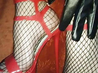 Female L handsome gams and handsome crimson high stilettos!