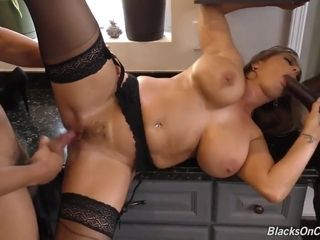 Milf Amber takes a huge nut